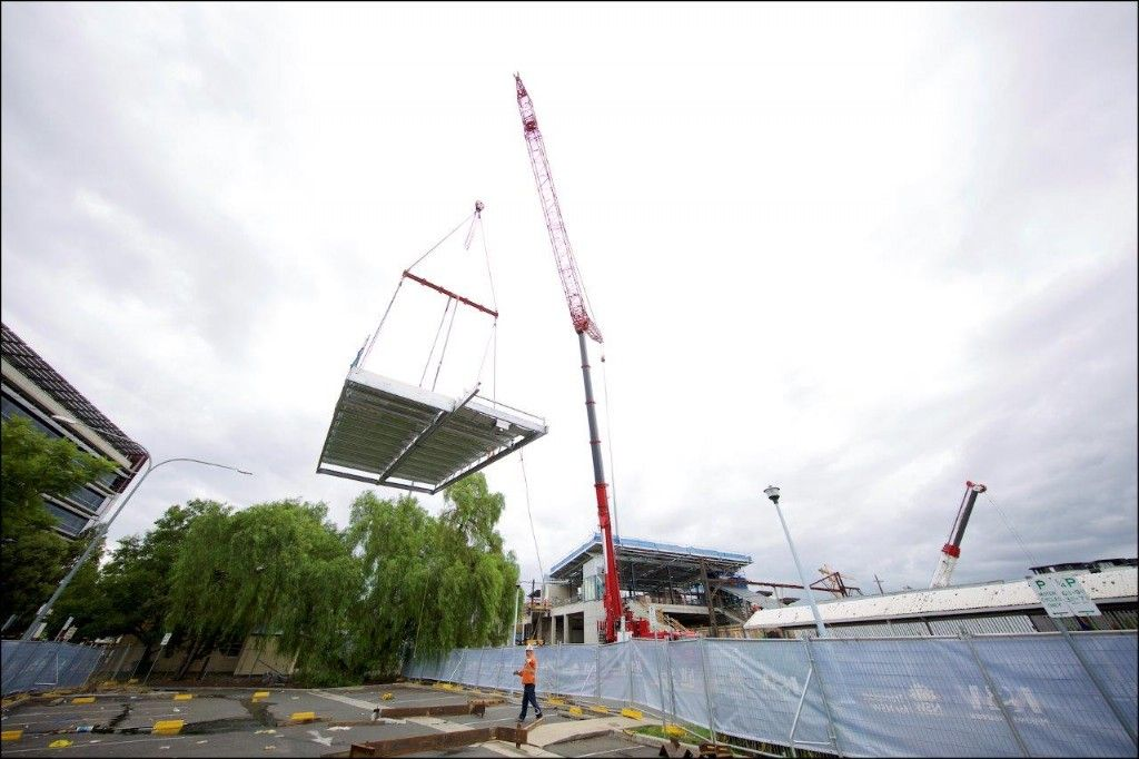 Penrith Station's Centre Piece Lifted into Place